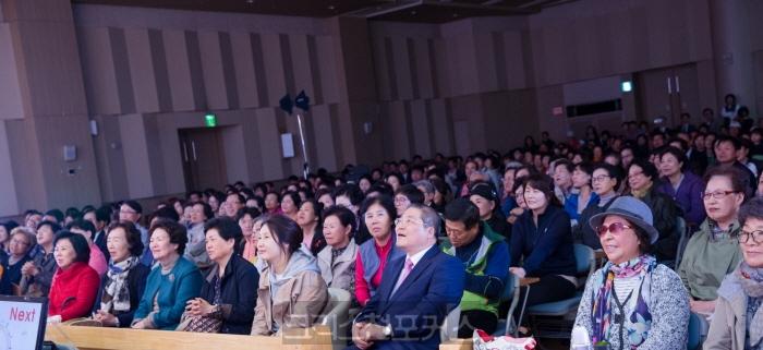 장욱조목사데뷔 50주년기념콘서트 성황리에 개최