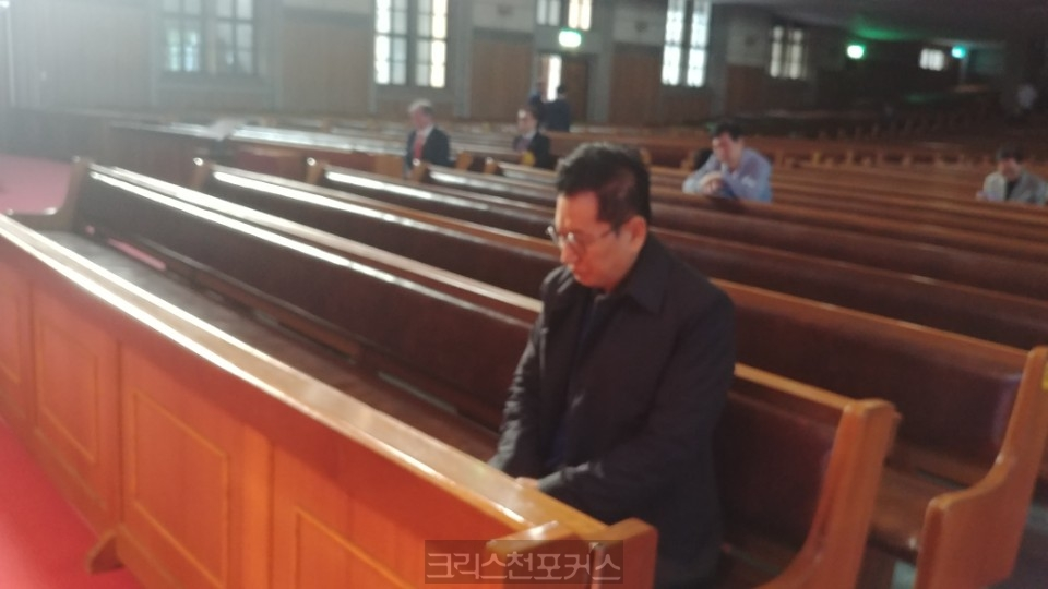 [포토] 총회장 전계헌 목사의 새벽기도