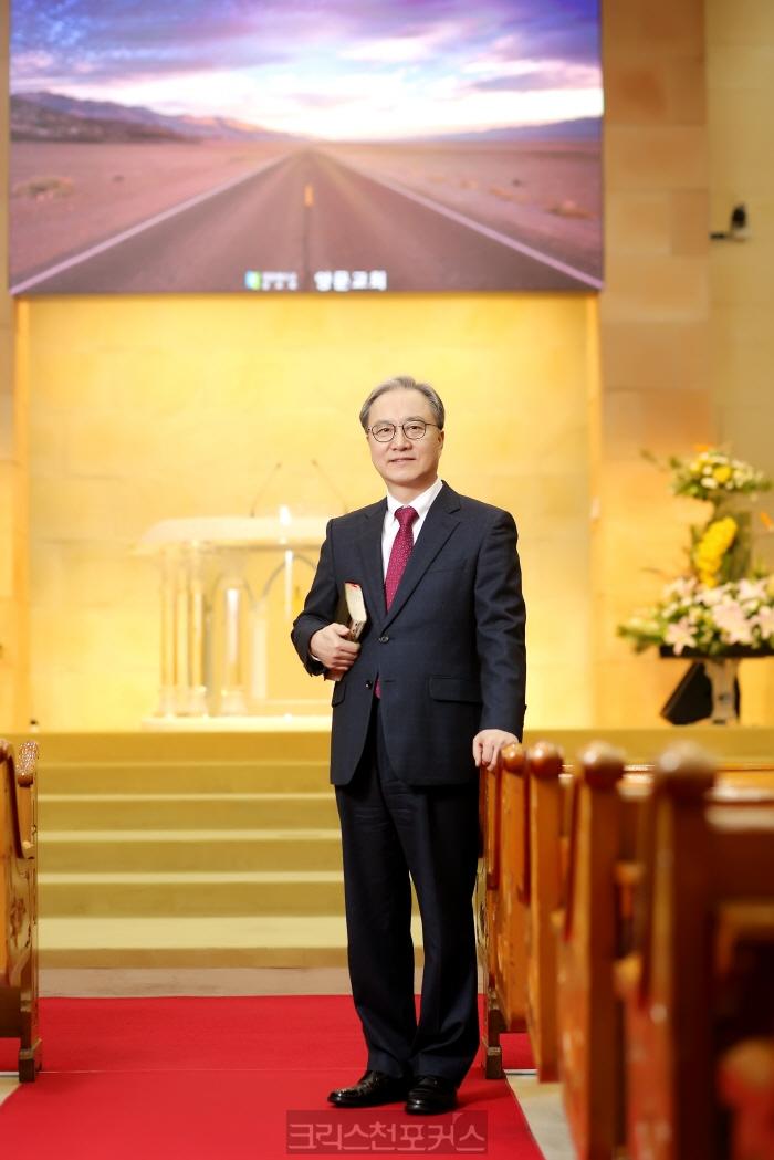 [평론] 이영신 목사, 왜 크리스천포커스인가?①